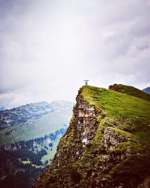 so happy to be back here!!! 🏔🙏😊 #diedamskopf #au #schoppernau #bergbahnendiedamskopf #mountains #berge ...