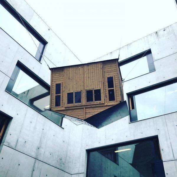 Happily Hanging House . . . #dornbirn #architektur #archdaily #architekturaktuell #vai #visitvorarlberg #smallhouse #architekturfotografie Dornbirn