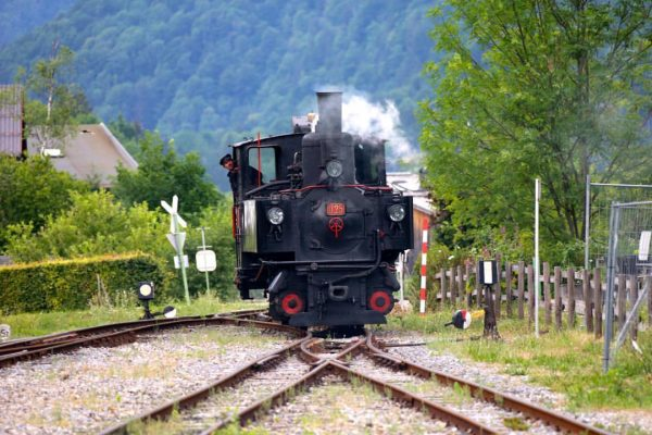 Ferien in Österreich Wer das nicht selber erlebt hat, hat etwas verpasst: Viel Spass #Waelderbahn #Museumsbahn #Bezau...