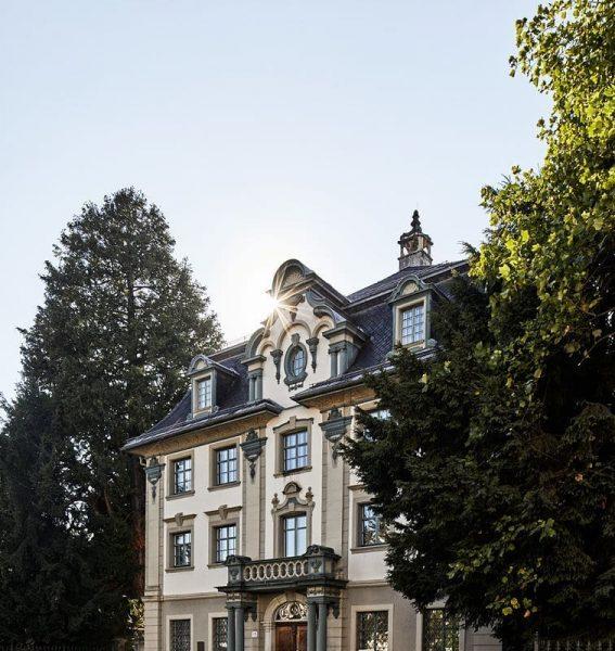 Das denkmalgeschüzte Adolf Rhomberg Haus in der Marktstraße ist ein architektonisches must see in Dornbirn 😍 #6850dornbirn...