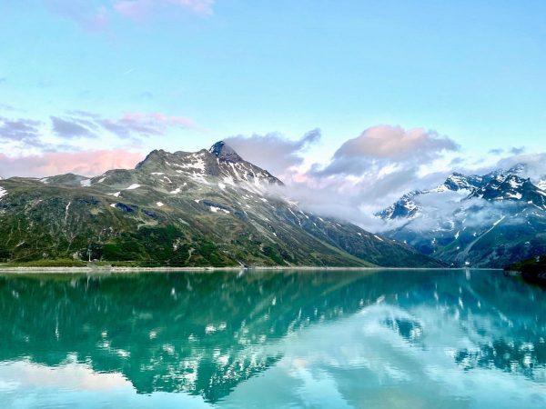 Calm.🏔✨ #perfectevening #bielerhöhe #silvrettahochalpenstrasse #enjoy #mountainlove #montafon Bielerhöhe