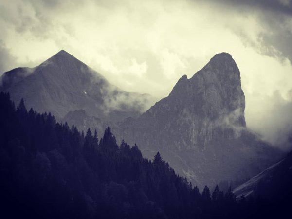 Grünes Gräshorn + Annalper Stecken ... dieses mal nicht vor blauen Himmel #österreich🇦🇹 #vorarlbergwandern #vorarlberg #visitvorarlberg❤️ #bregenzerwald...