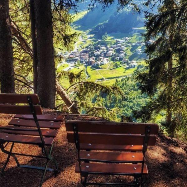 . Ich kam. Ich sah. Einen Platz mich auszuruhen. 🌲🌳🌿 www.stuben-arlberg.at/Sommer2020 #venividivorarlberg #stuben ...
