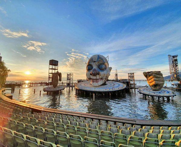 Bregenzer Festspiele bei Sonnenuntergang . . . #bregenz #bregenzerfestspiele #visitvorarlberg #sunset #lake #lakeconstance ...