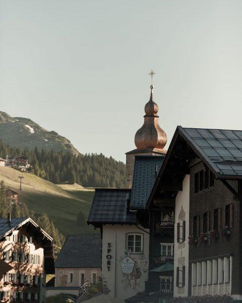 Sounds of Sunday church bells . . . #Sunday #Morning #Lech #LechZuers #Mountains ...
