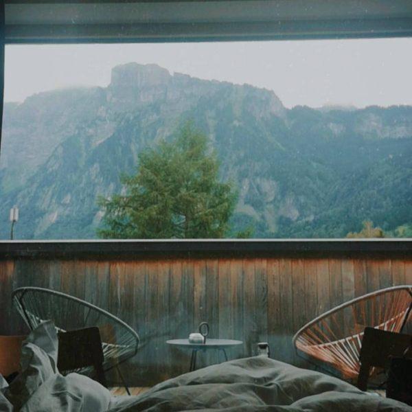 Ich kam. Ich sah. Die Kanisfluh aus dem Hotelbett. #vacation #vacationathome #oesterreichliebe #bregenzerwald #vorarlberg #unservorarlberg #visitvorarlberg #visitbregenzerwald...