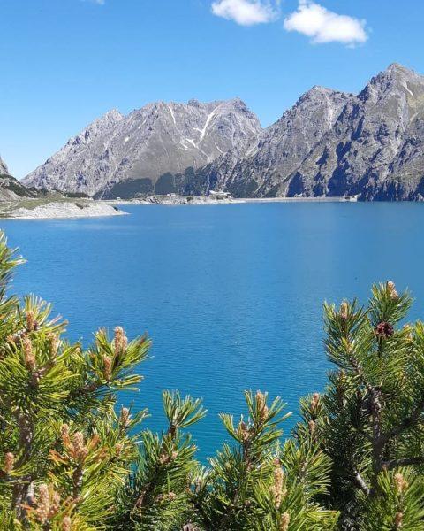 #bergmensch #vorarlberg #brandnertal #lünersee #mountainlover #topofthemountains #onemanwolfpack #justdoit✔ #lowashoes #bieberacherhütte #free Lünersee