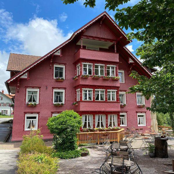 #gasthofadlerdoren #alteshausneuefarbe #doren #bregenzerwald #wirsindaufinstagram