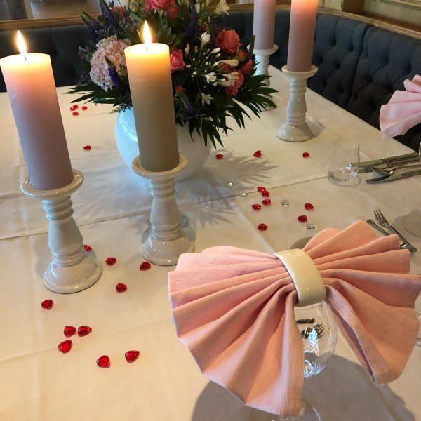 Es gibt immer was zu feiern! Traumhafte Tischdeko für besondere Tage. Haller's Geniesserhotel
