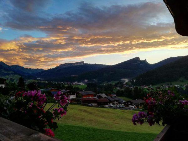 Sonnenuntergang 🌄 #kleinwalsertal #gästehausalmenrausch #riezlern Gästehaus Almenrausch***