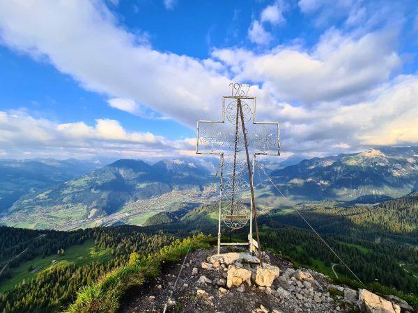 Mondspitze, 1967m.ü.M, Blickrichtung @alpenstadt_bludenz #bestoftheday . . . . . . #mountains #portrait ...