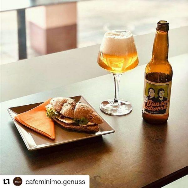 #Repost @cafeminimo.genuss ・・・ Wir können auch anders - schönes Wochenende aus dem minimo! ...