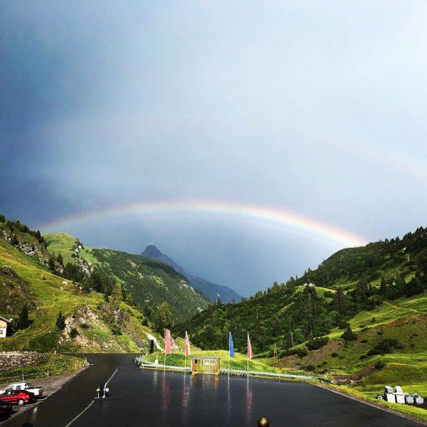 #aftertherain #rainbow #diesuchenachdemgoldtopf #mountainlove #doppelthältbesser #perfectshotperfectview #worklife Ski- und Wanderhotel Jägeralpe - Warth ...