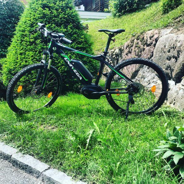 #alpenhotelzimba #e-mountainbikes #bikenimbrandnertal Biken Sie in der Brandnertaler Bergwelt mit unseren neuen E-Mountainbikes!