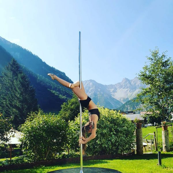 ♡Polecamp♡ #poledance #hangback #dancing #pole #poledancing #mountains #passion #loveit Valavier Hotel