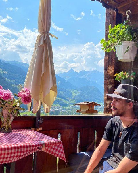 Recharging 🏔❤️ . . #montafon #mountainlove #mountainlife #wanderlust #almdudler #almödi #schruns #latschau #tschagguns ...