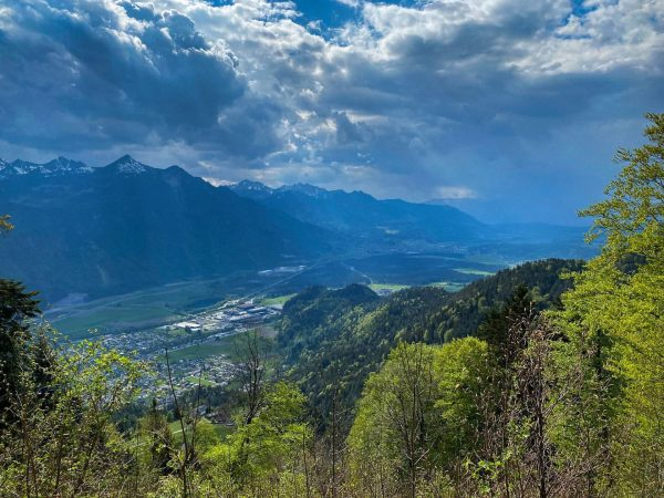 Today we found this view from the #muttersberg into the heart of #visitvorarlberg. Biking 🚵♀️ this region...