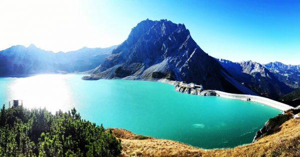 #hike #hiking #hikevibes #hikeview #mountains #alps #austrianalps #rätikon #seekopf #mountainlake #lake #lünersee #reservoir ...