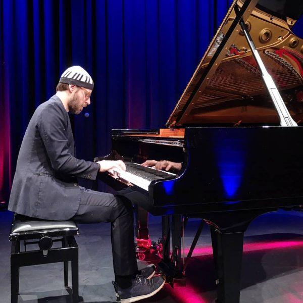 Endlich wieder Kultur Veranstaltungen in der #remisebludenz! 🎹🎶 @helbockdavid playing John Williams! Was ...