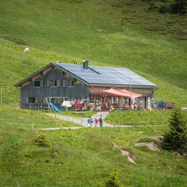 """#15 Sennalpe der KäseStrasse Bregenzerwald """"Alpe Oberdamüls"""". Familie Nigsch aus Raggal bewirtschaftet im ..."""