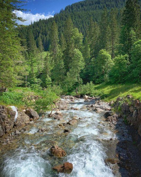 Wilder Bach im Wildental #wildental #wildenbach #kleinwalsertal #mittelberg #wandern #erholungpur Mittelberg Kleinwalsertal