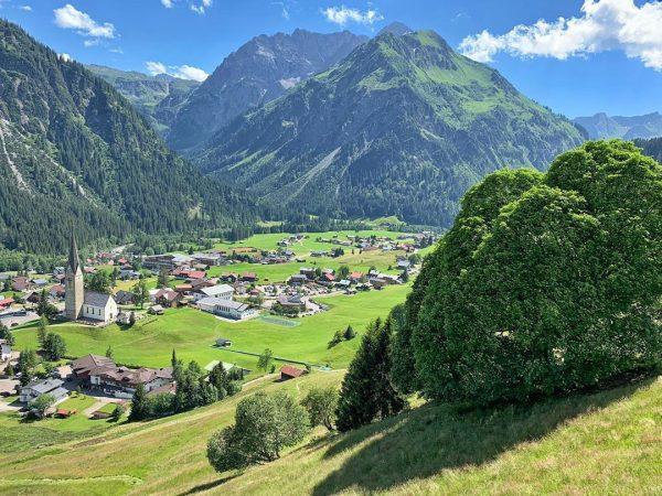 Mittelberg #kleinwalsertal #riezlern #wanderurlauber #erholungpur #schwarzwasserbach #zafernalift