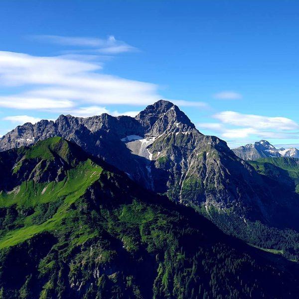 #austria🇦🇹 #ig_austria #vorarlberg #kleinwalsertal #riezlern #mittelberg #widderstein #mohnenfluh #walmerdingerhorn #bärgundtal #allgäueralpen #allgäuliebe #alpenblick ...