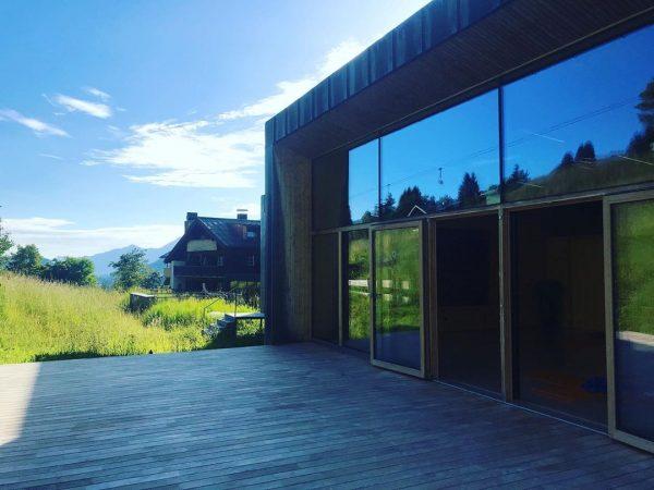 Guten Morgen ☀️ #yogainspiration #yogainthemountains #kleinwalsertal Das Naturhotel Chesa Valisa****