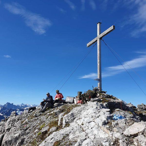 @alpenverein_vorarlberg @wucherhelicopter #wegewarte Lech Zürs am Arlberg