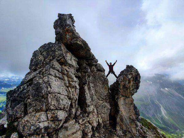 Bei gutem Wetter kann jeder in die Berge. ⛰💪😊🌫 @daily_allgaeu @kleinwalsertal @klettersteig.inspiration #klettersteig ...