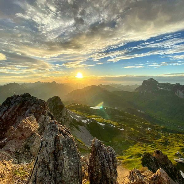 😍 Collect moments, not things! For example: Evening climbing tour on the Karhorn, ...