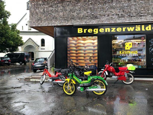 🌧 Mopedtour zum Käsehaus Bregenzerwälder Käsehaus Andelsbuch