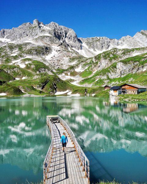 Zürser See 🏞 . ...mit der Seekopfbahn, welche heuer auch erstmals im Sommerbetrieb ...
