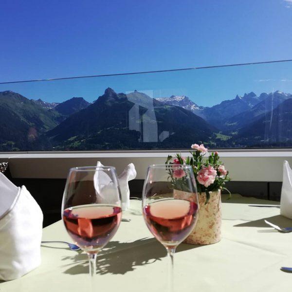 #vorarlberg #enjoytime #rose #outdoor #panorama #genießen #vorarlbergwandern #hotelbergerhof #summertime #amazing Hotel Bergerhof im ...