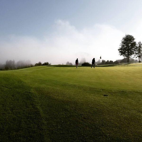 Beste Bedingungen heute beim Early Morning Turnier. Gestartet wurde um 7.00 Uhr. #kronehittisau #golfspielen #golfparkbregenzerwald #golfsport #golfurlaub...