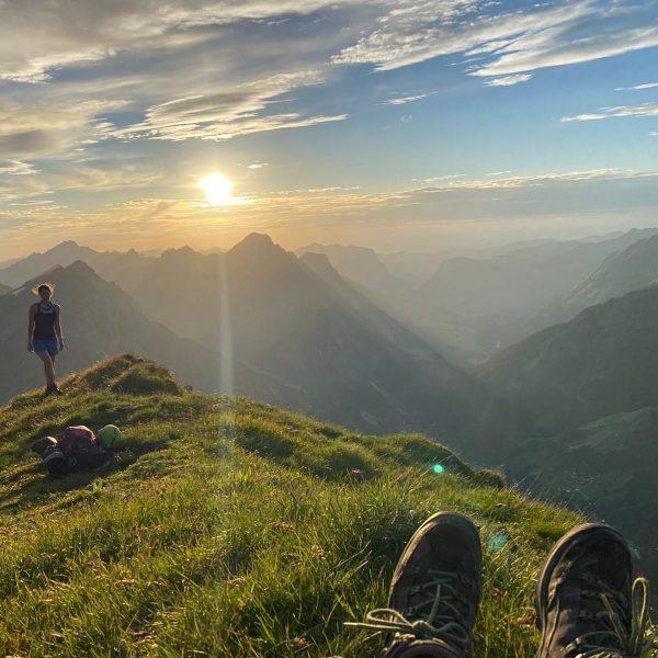 Sonnenuntergang auf der Juppenspitze❤️ einfach nur bezaubernd. #familienurlaub #wanderurlaub #jagdurlaub #mountainbikeurlaub #aktivurlaub #urlaub #geführtemountainbiketouren #pirschmöglichkeit #geführtewanderungen #outdoor...