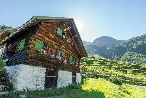 Die Fluchtalpe im malerischen Wildental, ein idyllisches Seitental des Kleinwalsertals 😍 seit dem ...