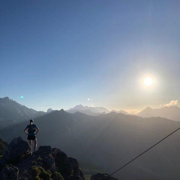Sonnenuntergang Tschaggunser Mittagsspitze Verleih deinen Träumen Flügel 😎🏞️ . . . . . #meinmontafon #dahem #visitvorarlberg #lifeisbetterinthemountains...