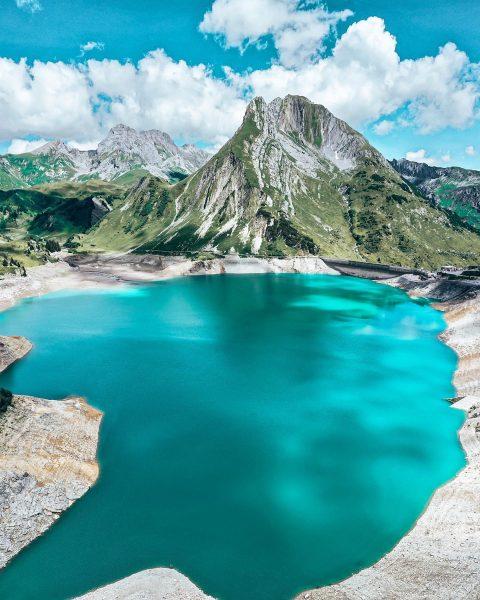 Alpine Südsee. # # # #alpine #südsee #spullersee #lech #lechzuers #arlberg #gameofdrones #vorarlberg ...