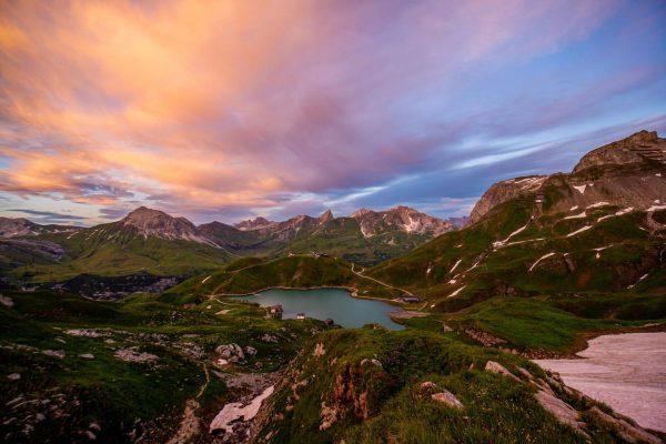 Nach Sonnenuntergang der #zürsersee gesehen vom Madloch. #visitvorarlberg #loves_austria #alpenliebe_official #earth_shotz #globalcapture #vorarlbergwandern ...