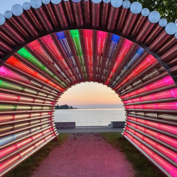 Einen wunderschönen Abend wünschen wir heute mit Gerry Ammanns Lichttunnel. Schon gesehen? #chancenreich ...