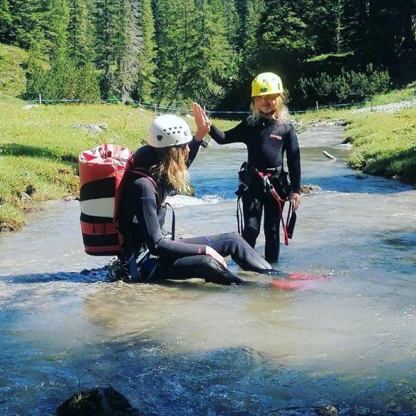 Mit der Lech Card bieten die erfahrenen Guides von Arlberg Alpin den jungen ...