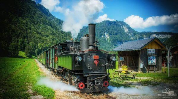 Auch am Sonntag wieder unterwegs  #vorarlberg #visitvorarlberg #bregenzerwald #visitbregenzerwald #wälderbähnle #bregenzerwaldbahn #museumsbahn ...