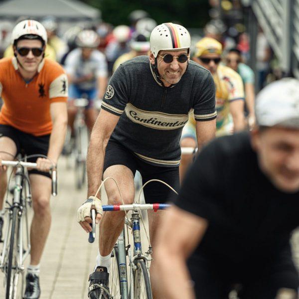 🎬🚲 Heute Abend um 8 beim #festivelo: 200 Jahre Fahrrad - Vom Laufrad ...
