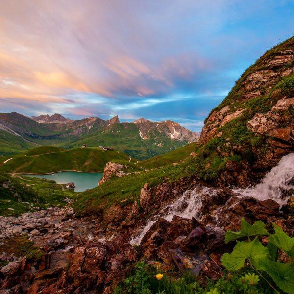 Nach Sonnenuntergang der #zürsersee gesehen vom Madloch. #visitvorarlberg #loves_austria #alpenliebe_official #earth_shotz #globalcapture #vorarlbergwandern #lechzuers #lechzürs #lechtaleralpen