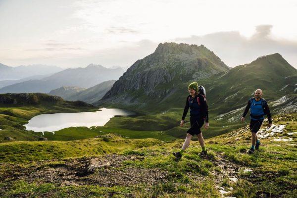 Die Vorzüge einer E-Mountainbike-Tour 🚴♂️ mit einer gemütlichen Wanderung 🥾 kombinieren? 👉 Kein ...