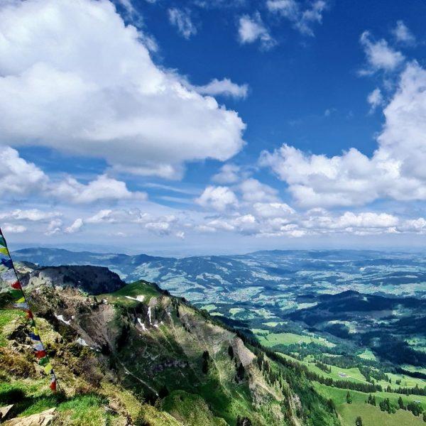 Die 4 Mitgliedsseilbahnen der KäseStrasse Bregenzerwald bringen Sie an wunderbare Aussichtspunkte und zu einzigartigen Wanderwegen, von welchen...