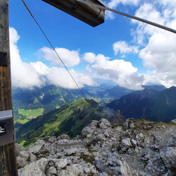 Großer Widderstein 🏔☁️❄ ➖➖➖➖➖➖➖➖➖➖➖➖ #kleinwalsertal #outdoors #outside #alpen #oberstdorf #austria #outdoorwomen #berge #vorarlberg ...