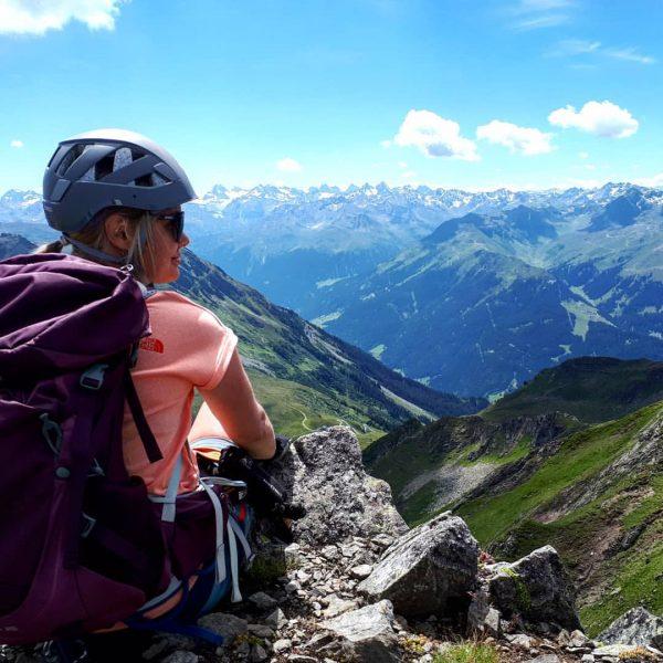 Nach dem Aufstieg durch den Klettersteig Hochjoch den Ausblick genießen... #simoment #meinlieblingsplatz #klettersteighochjoch ...