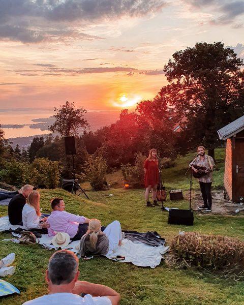 Those summer nights... 🌅😍 . #vorarlbergerkulturpicknick mit @stereo.ida 🎶. . *Werbung? 🤔. #kitschigschön ...